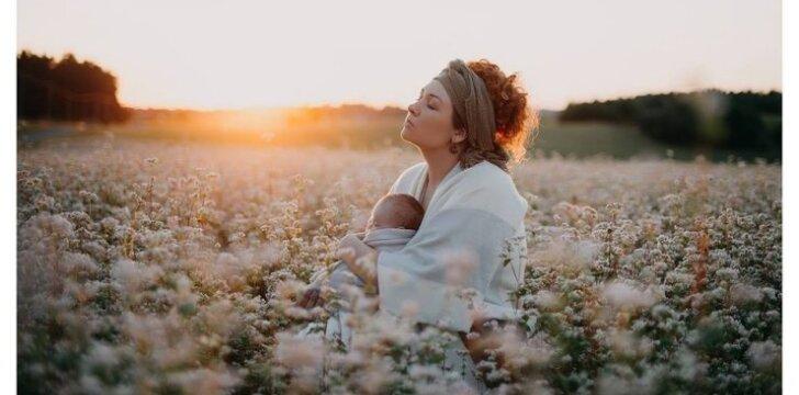 """Parodos """"Esu mama!"""" organizatoriai: vaiko žindymas nėra nieko gėdingo ir visai nesvarbu, ką sako etiketo žinovas"""