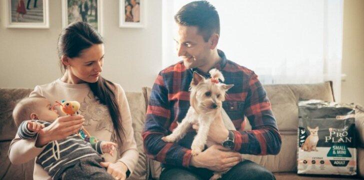 Šokėjų pora šeimyninį gyvenimą pradėjo įsigiję šunį
