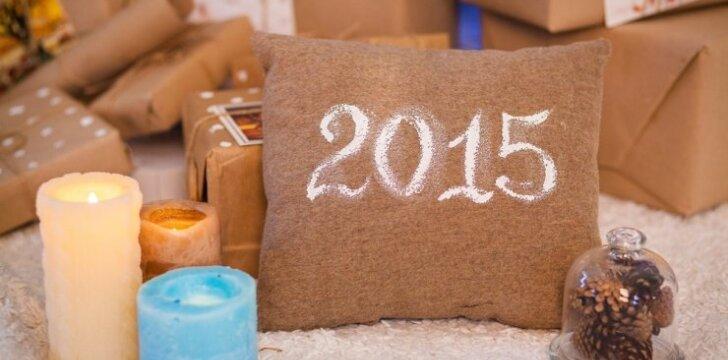 """Kaip <span style=""""color: #ff0000;"""">puošti namus</span>, kad Kalėdų laukti būtų smagiau ir jaukiau <sup>FOTO</sup>"""