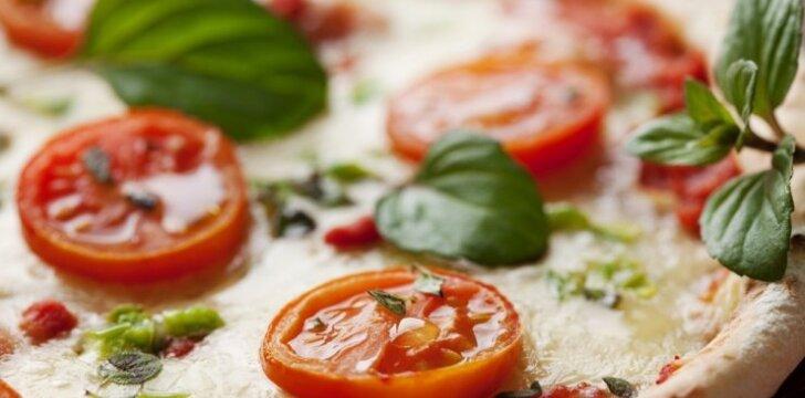 Greita pica su pomidorais