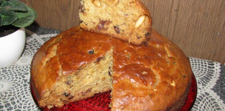 GARDUS KAIP MEDUS: Pyragas su datulėmis