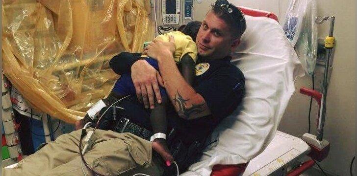 Paklydusį vaiką suradęs policininkas pasielgė kilniaširdiškai