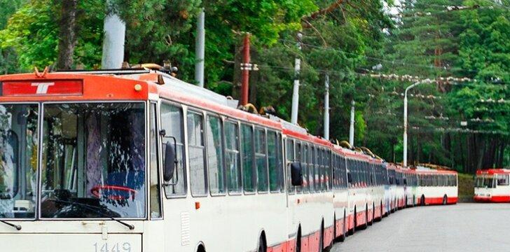 Tyrimas: 80 proc. sostinės autobusų ir troleibusų nesilaiko grafiko