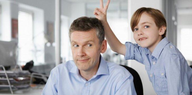 Idealūs tėvai turi turėti humoro jausmą