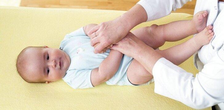 """4-6 mėnesių kūdikio mankšta: žingsnis po žingsnio <sup style=""""color: #ff0000;"""">FOTO</sup>"""