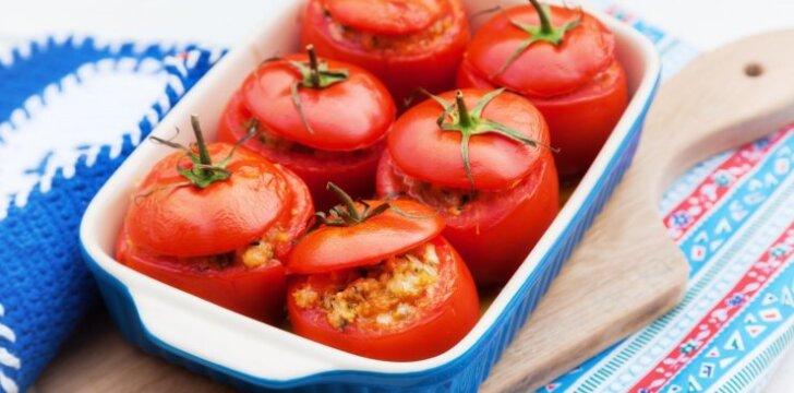 Pievagrybiais ir sūriu įdaryti pomidorai