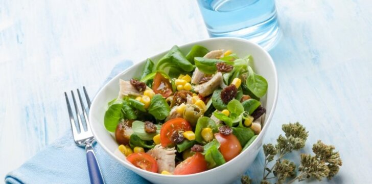 Špinatų salotos su vištiena