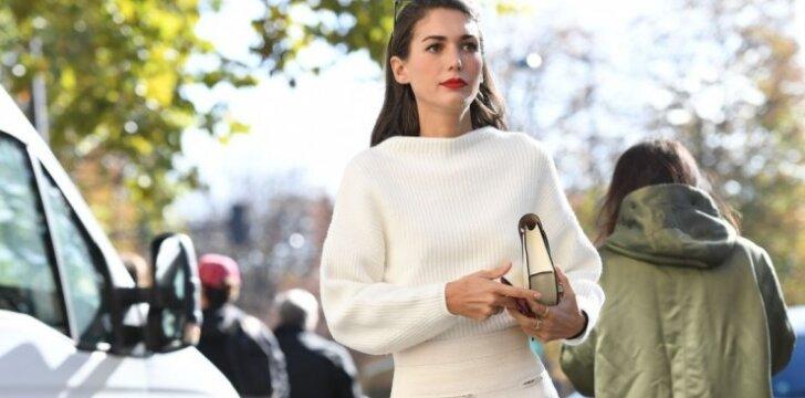 2 madingiausi sijonų tipai, kurie atrodys pritrenkiančiai derinami su šiltu megztiniu
