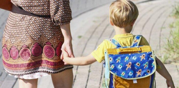 Į mokyklą – nuo šešerių metų: specialistės įvardija slypinčius pavojus