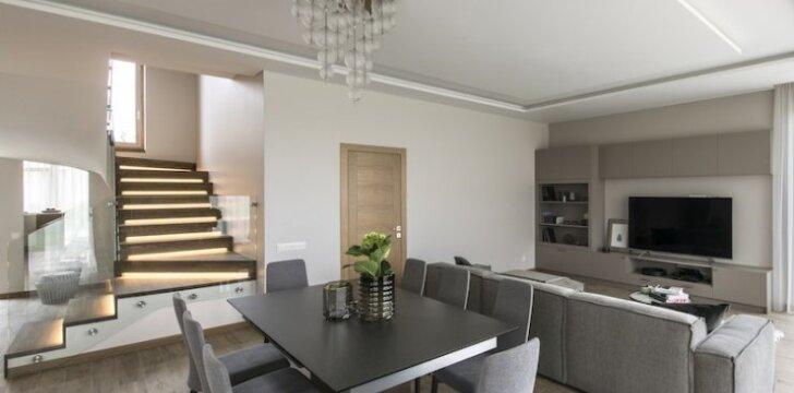 Svajonių namuose dera šviesa, estetika ir minimalistinis stilius