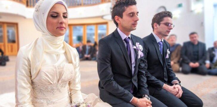 """Dėl ko musulmonas vyras gali žmoną palikti vos kelios valandos <span style=""""color: #ff0000;"""">po vestuvių</span>?"""