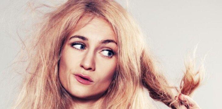 Kaip atgaivinti skilinėjančius plaukų galiukus?