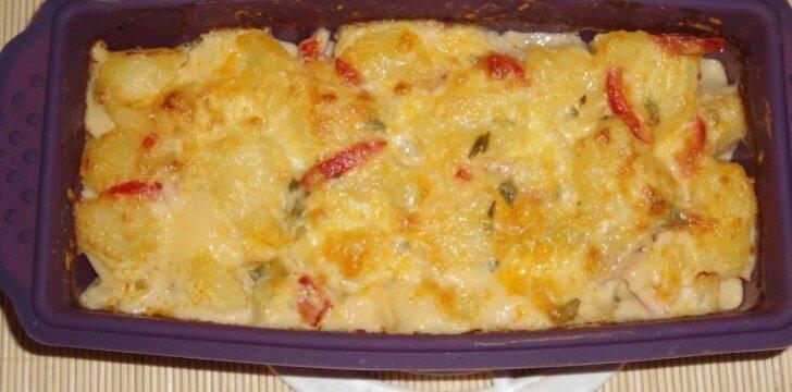 Bulvės su sūrio užpilu