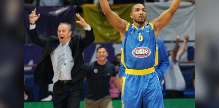 "Derrickas Sharpas (""Maccabi"")"