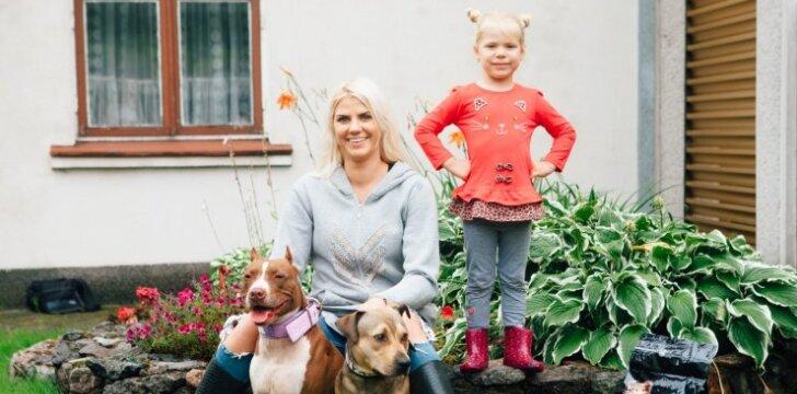 Šunų sportu užsiimanti Austėja: Lietuvoje šunys arba sužmoginami, arba šeriami atliekomis