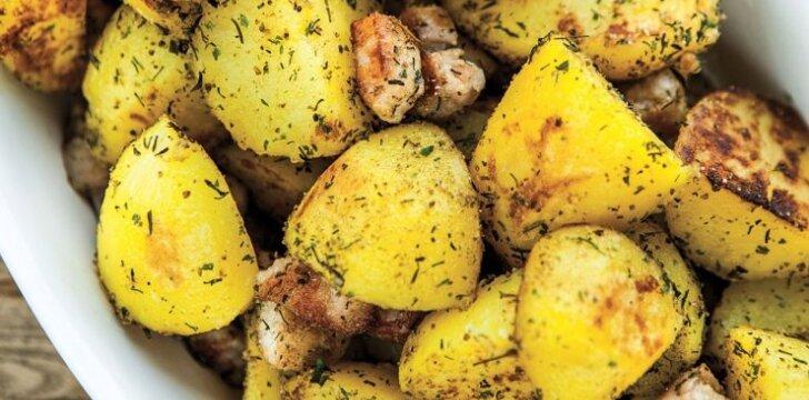 Keptos bulvės su sūdyta jautiena ir krapais
