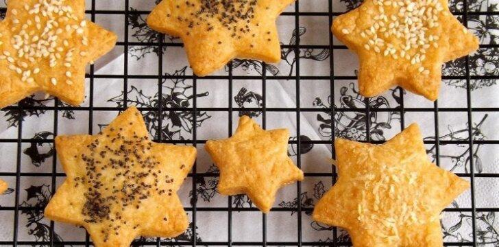 Sūrio sausainiai-žvaigždutės