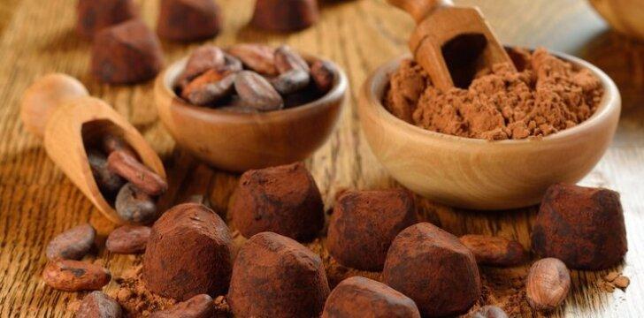 Šokoladiniai vaisių ir riešutų triufeliai