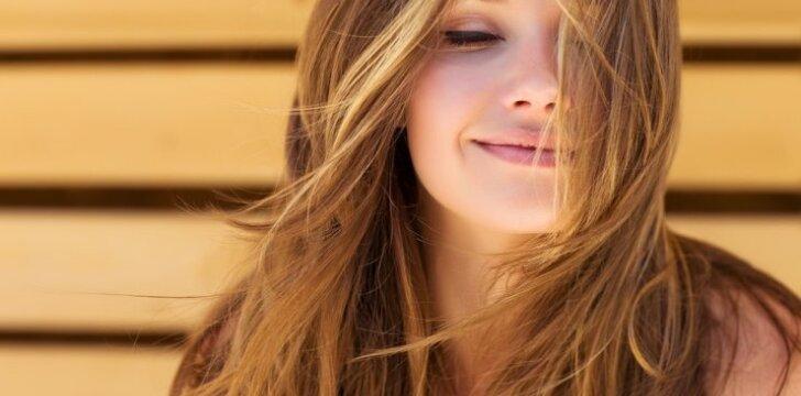 Padėk savo plaukams: maitinančios ir skatinančios augimą kaukės, kurios abejingų nepaliks (FOTO)