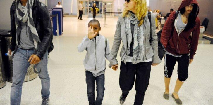 Madonnai 53-eji: gimtadienio šventė su vaikais ir 24-erių mylimuoju (FOTO)