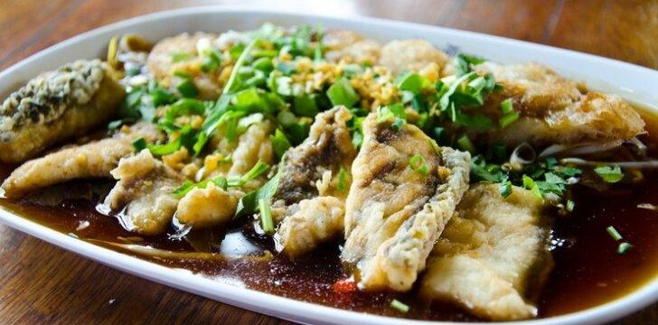 Traškūs žuvies gabaliukai tailandietiškai