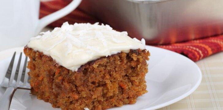 Drėgnas ir gardus morkų pyragas