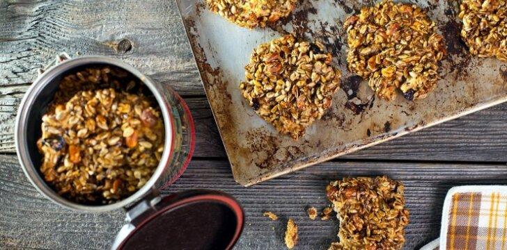 Sveiki sėklų ir razinų sausainiai