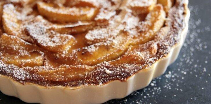 4 OBUOLIŲ pyragų receptai, kuriuos turite išbandyti šį rudenį