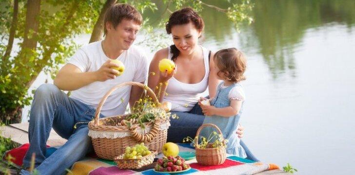 """Žurnalas """"Tavo Vaikas"""" spalį skelbia Šeimos mėnesiu"""