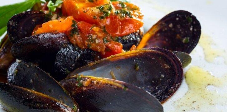 Midijų ir pomidorų troškinys