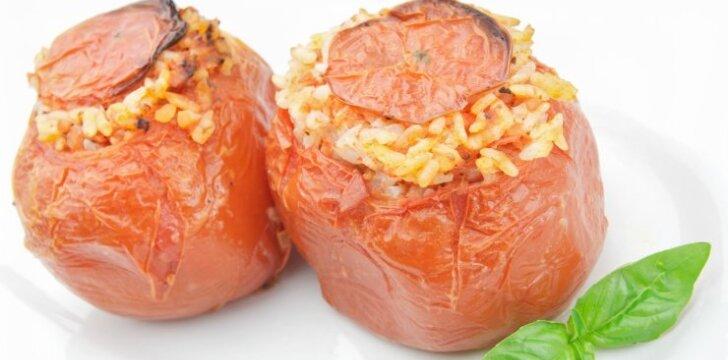 Ryžiais ir cukinija įdaryti pomidorai