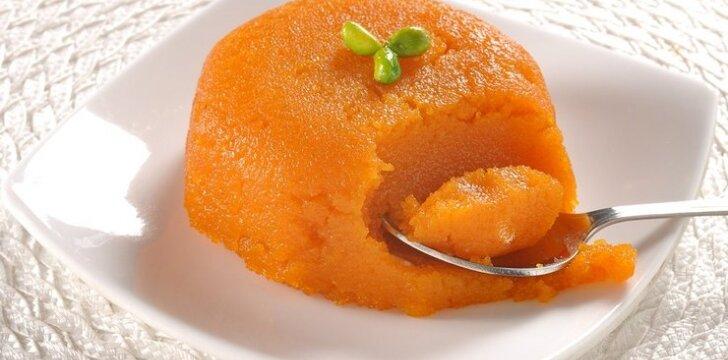 Veganiškas morkų pyragas