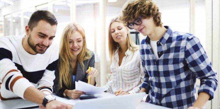 Artėja stojamieji į aukštąsias: raginama rinktis profesiją vadovaujantis ne tik širdimi