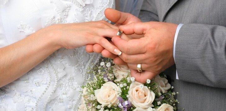 Į antrąją santuoką moteris žiūriu racionaliau ir išmintingiau, atsakingiau renkasi gyvenimo vyrą.