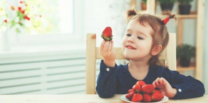 """<span style=""""color: #ff0000;"""">APKLAUSA</span> apie 1-3 metų vaikų mitybą: atsakyk ir laimėk šaunių dovanų! <sup><span style=""""color: #ff0000;"""">+rezultatai</span></sup>"""