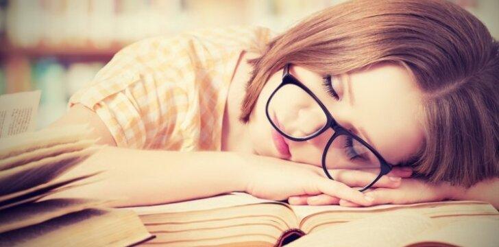 9 patarimai, jei vaikas tingi ruošti namų darbus