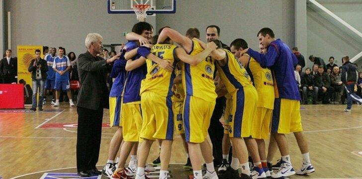 Krepšinio rungtynės naujoje Garliavos sporto salėje