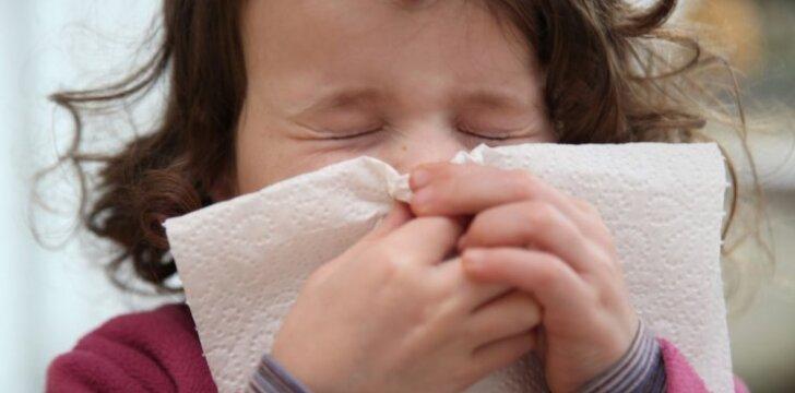 Kaip tinkamai išvalyti nosį sloguojant: pataria gydytoja