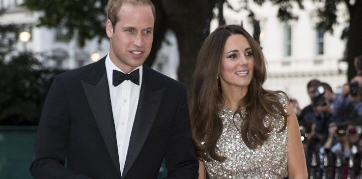 """Po gimdymo viešai pasirodžiusi princo Williamo žmona sužavėjo aplinkinius <sup style=""""color: #ff0000;"""">FOTO</sup>"""