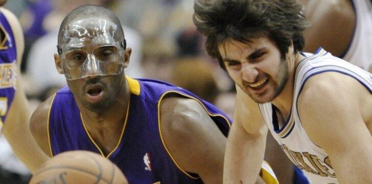 """Kovoja Kobe Bryantas (""""Lakers"""") ir Ricky Rubio (""""Timberwolves"""")"""