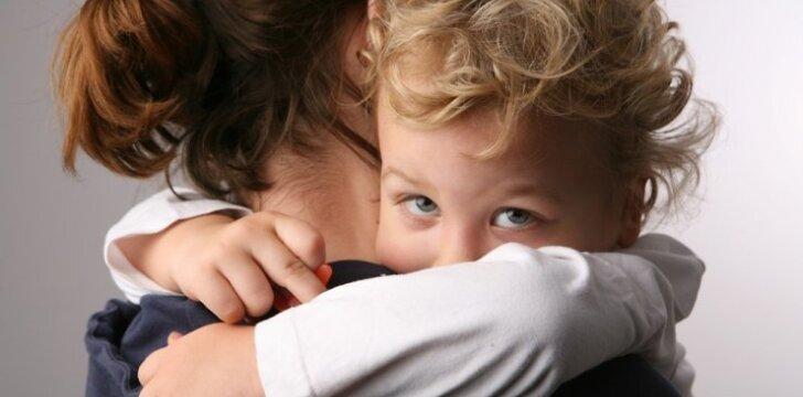 Gimdymo metu gydytoja šaukė, kokia aš bloga, kad sūnus neturės tėvo