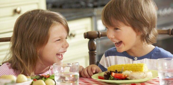 Vaikų dietologė: kaip nepadaryti klaidų maitinant mažus vaikus?