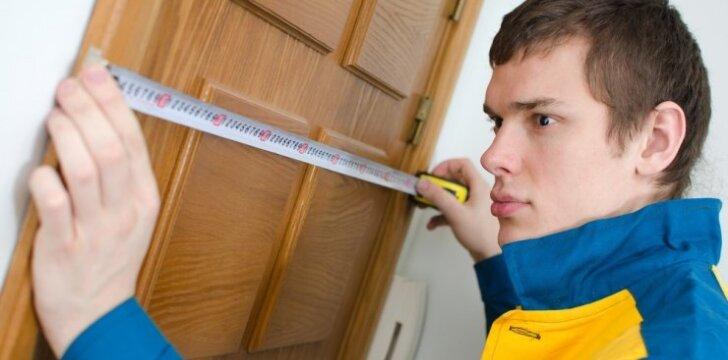 Naujų durų įtvirtinimas: nuo būtinų išlaidų iki tvirtinimo subtilumų