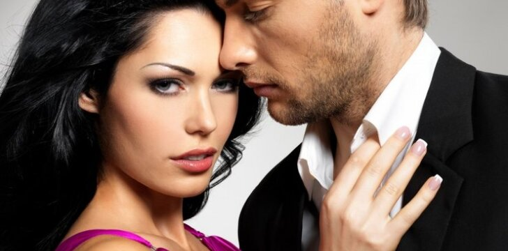 """Kaip elgtis būnant su vyru… 1930 metų <span style=""""color: #c00000;"""">patarimai moterims</span>"""