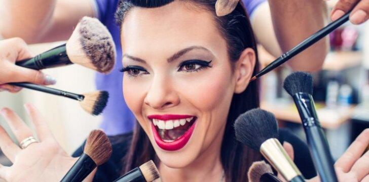 Akių tušo istorija: nuo vaško tortų Paryžiaus aktorėms iki silikono stebuklų šiuolaikinėms moterims