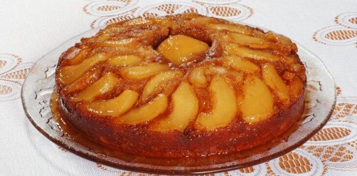 Nepamirštamai skanus kriaušių pyragas