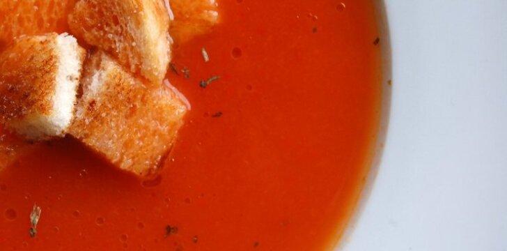 Keptų paprikų ir pomidorų sriuba