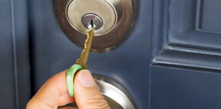 Patarimai, kaip išsirinkti patikimą durų spyną