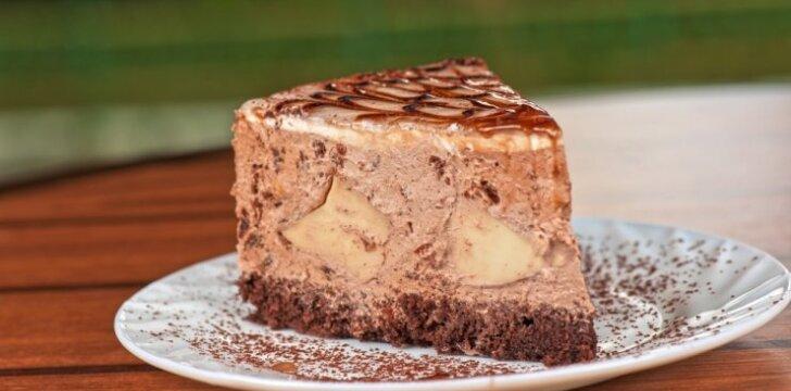 Šokoladinis tortas su riešutais