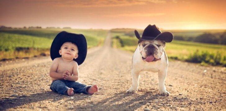 """<span style=""""color: #ff0000;"""">Įspūdinga:</span> fotografui šlovę atnešė saulėlydžiai ir vaikai <sup style=""""color: #ff0000;"""">FOTO</sup>"""